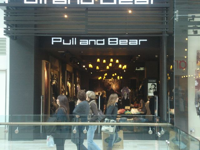 Retailers in UK, picture Pull and Bear