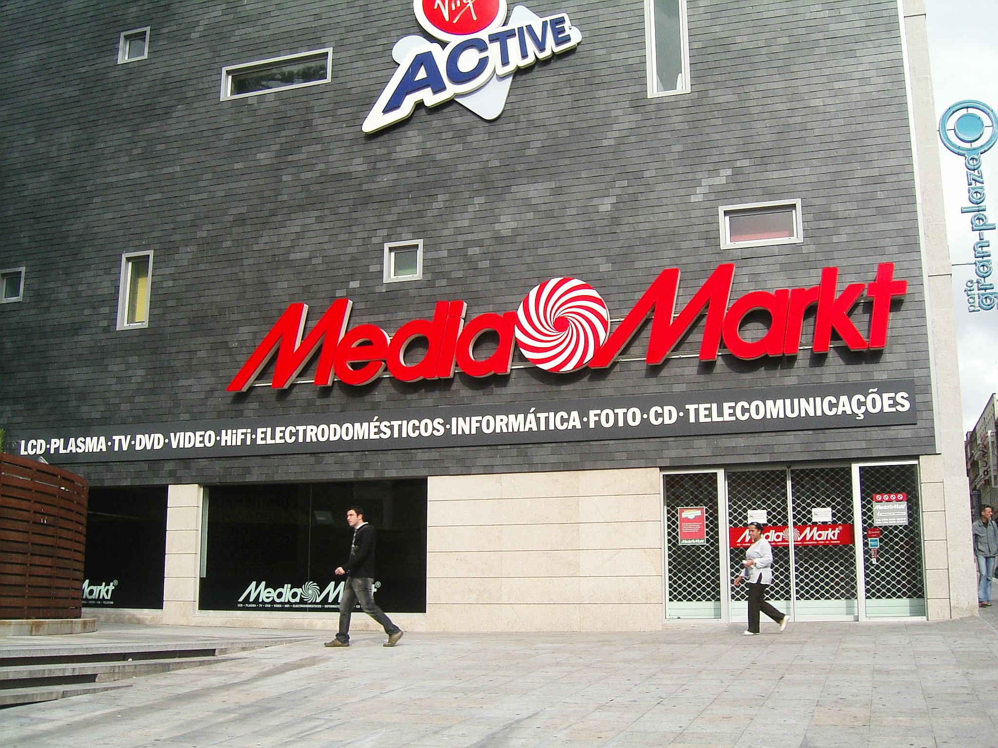 Consumer Electronics Retailers In Europe